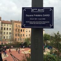 Plaque square Dard à Lyon